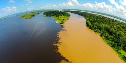 Aerial-Photo-of-Amazon-River-associated