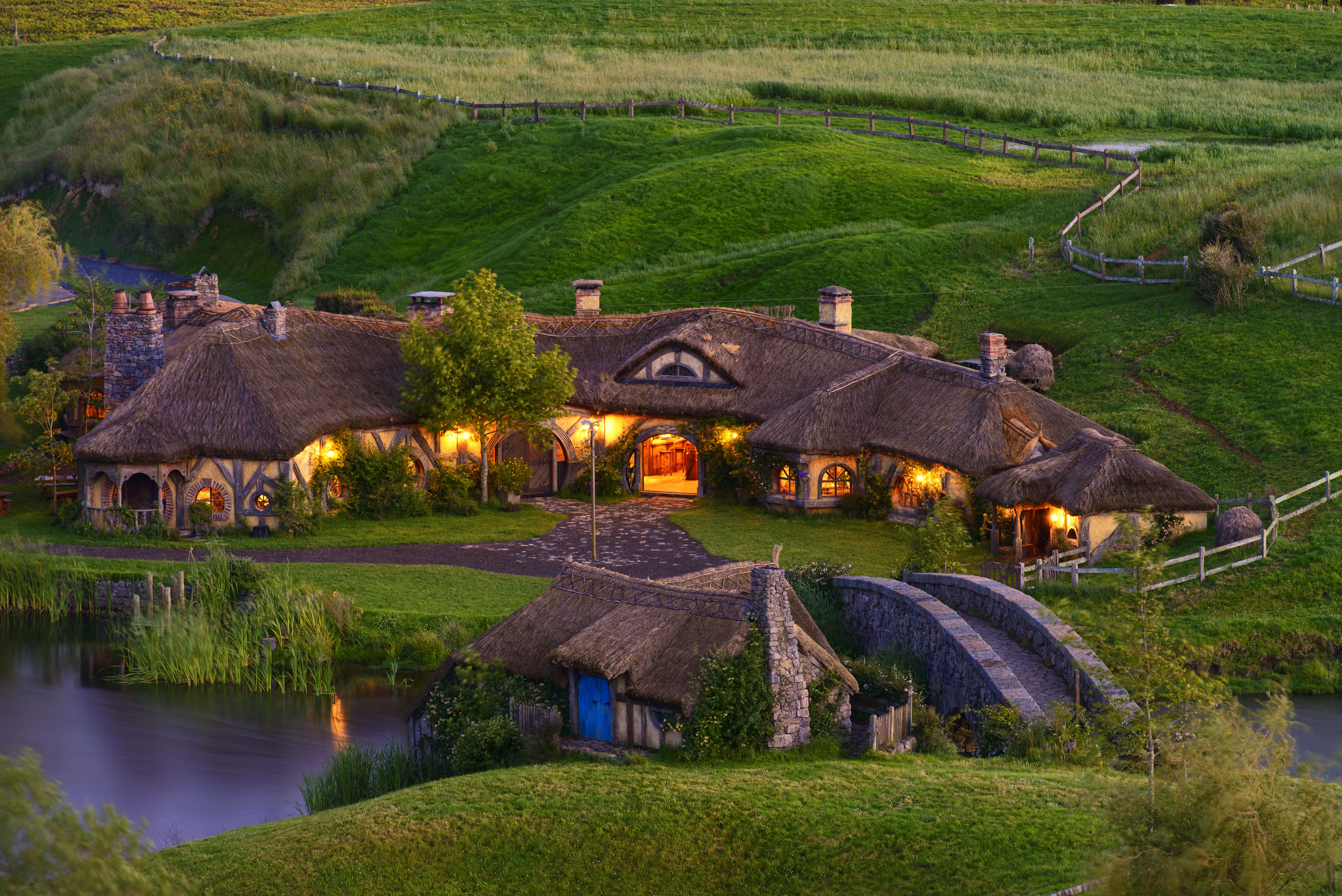 hobbiton-movie-set-4.DJ1FBg
